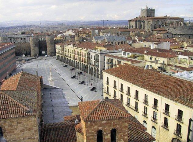 Mercado grande ante la Puerta del Alcázar