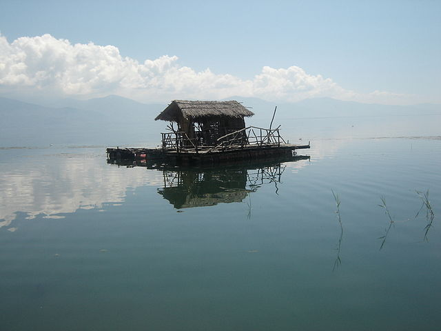 Fishing_at_Lake_Prespa_Foto Wikipedia Bomac