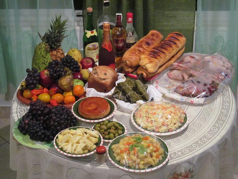 Comida típica navideña Foto wikipedia Ricardo Juliao