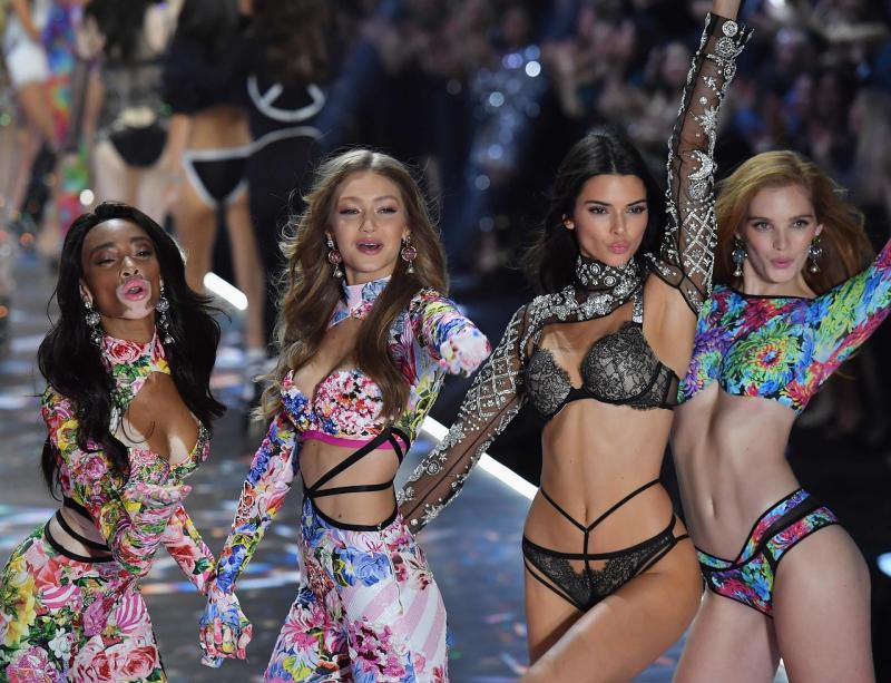 Winnie Harlow  Gigi Hadid  Kendall Jenner y Alexina Graham