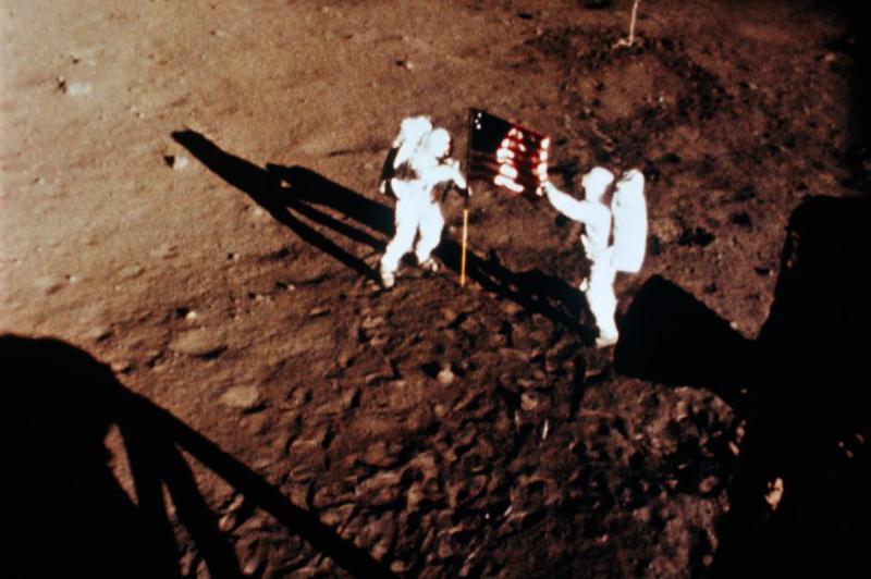 Apollo-anniversary-nationalgeographic_617842.adapt.945.1