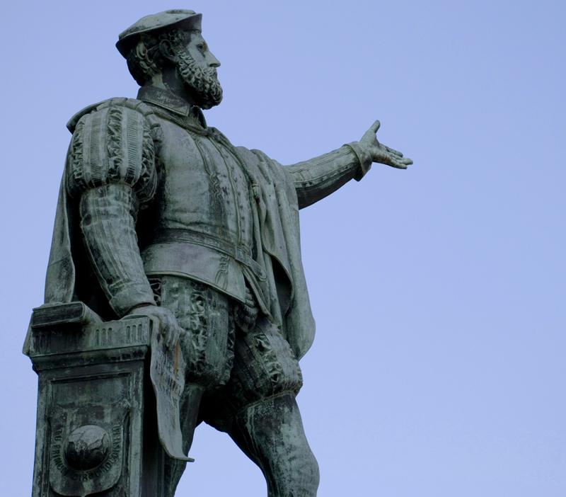 Estatua Elcano en Guetaria Foto JUE_Wikipedia