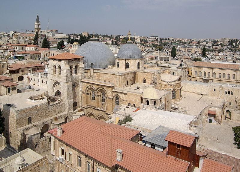 800px-Jerusalem_Holy_Sepulchre_BW_23 Foto Berthold Werner