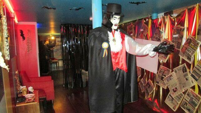 Dracula-comunismo-Museo-Kitsch-Bucarest_EDIIMA20190928_0175_4