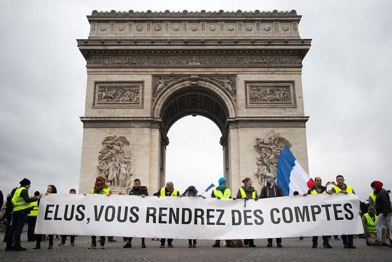 1024px-Paris _Gilets_Jaunes_-_Acte_IX_(45808616985)