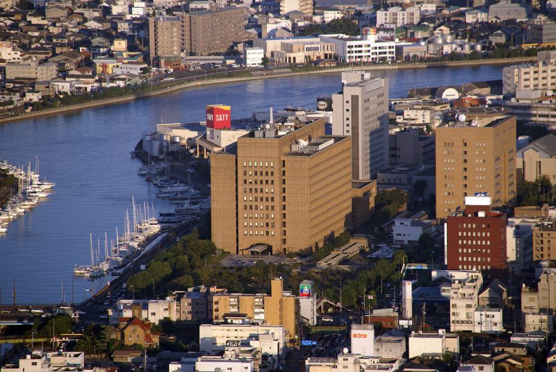 1280px-Tokushima_prefectural_office_building02s3200