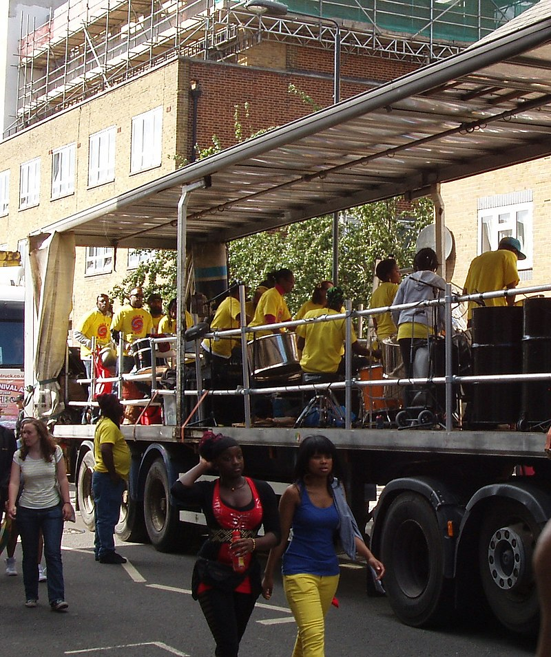 Notting_Hill_Carnival _band_on_float_-_geograph.org.uk_-_2043784