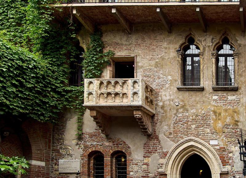 Balcone_di_Giulietta_a_Verona