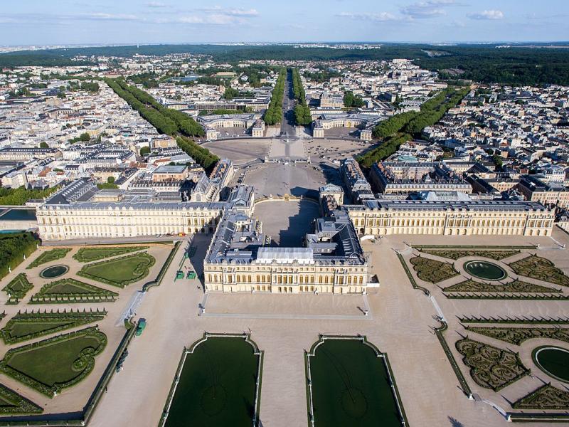 Vue_aérienne_du_domaine_de_Versailles_par_ToucanWings_-_Creative_Commons_By_Sa_3.0_-_073