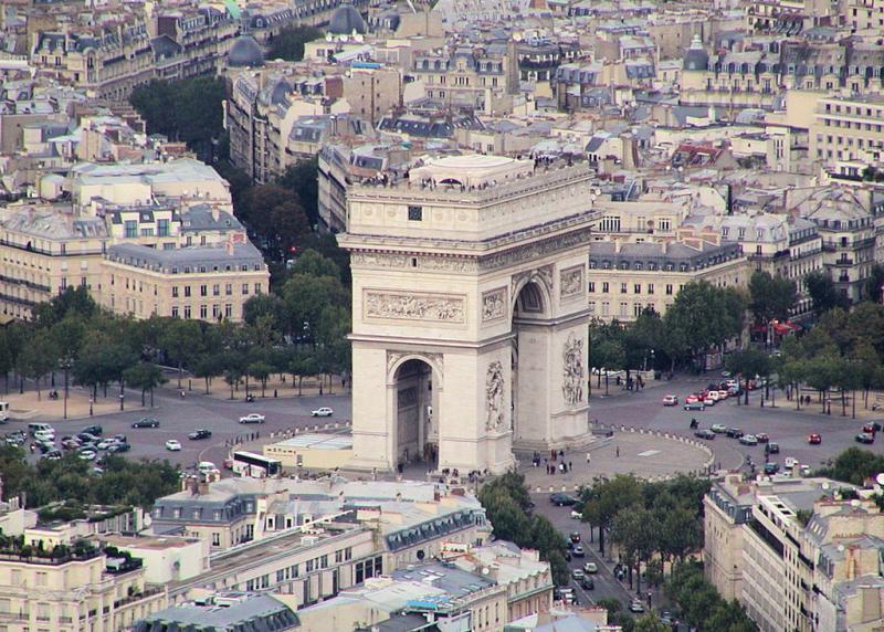 1024px-Paris-Arc-de-Triomphe001